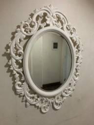 Espelho com moldura em madeira apenas R$ 190