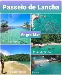 Passeio de lancha nas ilhas de Angra