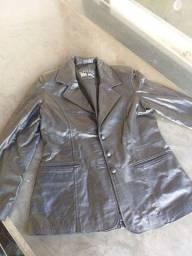 Vendo blazer feminino em couro legítimo