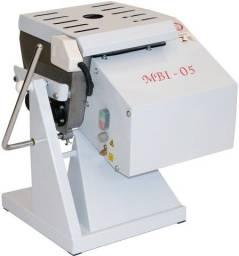 MBI-05 - Amassadeira c/ basculante 7 kg - Gastromaq - Rui