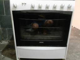 Vendo fogão  Dako de 6 bocas de 300 RS por 250 RS