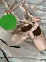 Sapatilha de ballet - de ponta! Semi nova, pouco usada!