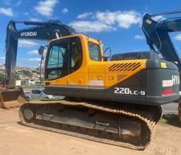 Escavadeira Hyundai 220LC-9 *Entrada de 40.000,00