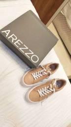 Vendo tênis da AREZZO nunca usado!
