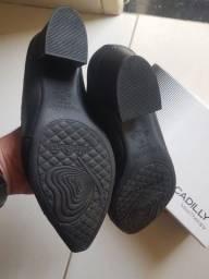 Sapato marca PICCADILLY impecável
