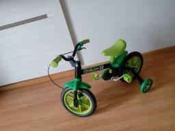 Bicicleta de menino 2 a 4 anos, nunca usada.