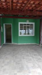 Casa tipo duplex em condomínio fechado