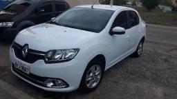 Renault Logan dynamic 1.6 top - 2015