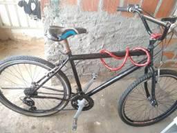 Bicicleta toda boa , apenas com o pedal soltando, mais isso é de menos