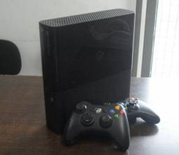 Xbox New Slim 4Gb Preto Destravado com 2 controles (Jtag - não pode jogar online)