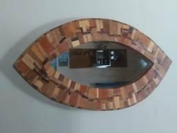 Espelho formato de olho
