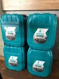 Óleo lubrificante motor diesel 15W40 CH4 20 litros Urania Petronas