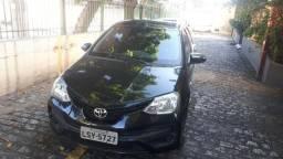 Toyota Etios HB 1.3 2018 preto completissimo, muito novo - 2018