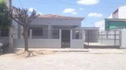 Excelente Casa Independente no Bairro Novo Centro - Icó