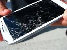 Compra celular com a tela trincada