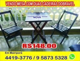 Mesa com duas cadeiras em Mairiporã