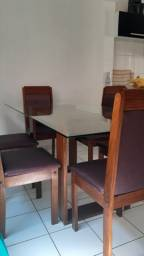 Mesa com 6 lugares vidro e madeira