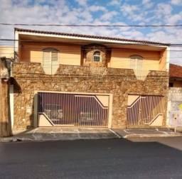 Sobrado com 3 dormitórios na Vila Falcão