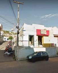 Vende-se casa no centro de Picos