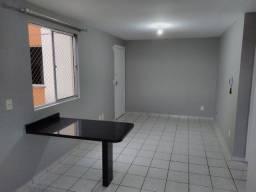 Apartamento de 2 quartos no Sítio Cercado.