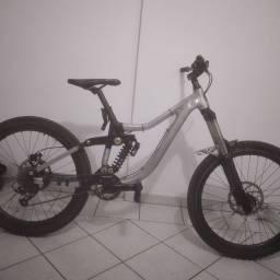 Bike bicicleta kona downhill full