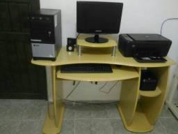 Vendo computador completo+ mesa + impressora + roteador TP link por R$560,00