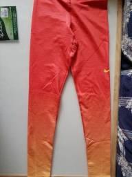 Calça de treino feminina comprada nos EUA