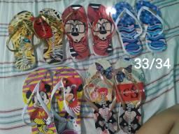 Vendo 12 pares de chinelas por R$ 150,00