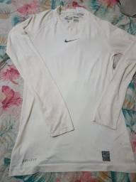 Camisa compressão Nike Pro combat
