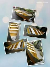 Barco de madeira artesanal