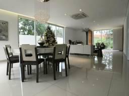 Casa em Condomínio Alto Padrão | 4 Suítes | Projetada | Lazer Privativo |