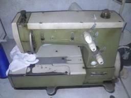 Máquina de costura galoneira - Rimoldi