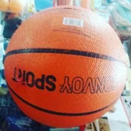 Bolas, basquete, futebol, vôlei, tênis, etc.