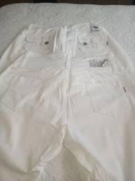 Calça branca pra área da saude