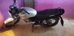 Vendo 2000 moto p interior ano 2005 deve documento - 2005