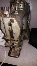 Máquina de pregar botão