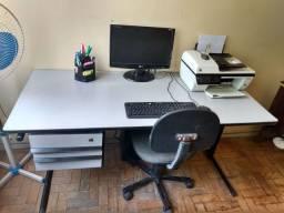 Vendo mesa de escritório com cadeira e arquivos
