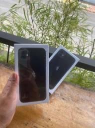 iPhone 11 lacrado 64 giga capa e película brinde