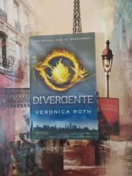 """Divergente"" - Verônica Roth"