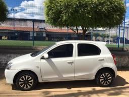 Toyota Etios X 1.3, 4 portas, mamual