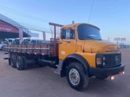 MB 1113 1985 6x2 carroceria
