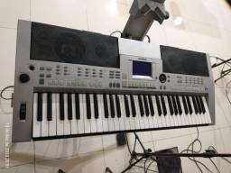 Teclado Yamaha PSR S500