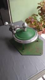 Máquina de fechar quentinha