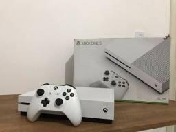 Xbox One S 1tb + 6 jogos GRÁTIS ( aceito cartão)