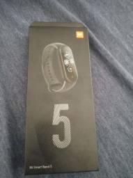 Smartband Xiaomi Mi Band 5 versão global + 2 películas de proteção