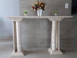 Console e pé de mesa de mármore