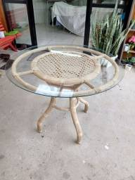Mesa com tampo de vidro redonda