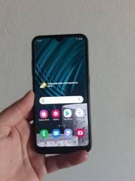 Vendo celular A01 32 GB, semi novo.