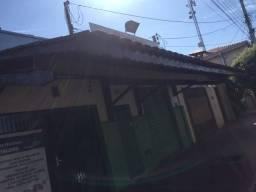 Cobertura incluido telhas e madeiras