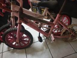 Título do anúncio: 2 Bicicletas infantis rosa
